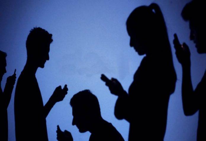 Telefonla Sevdiğini Aratma Büyüsü
